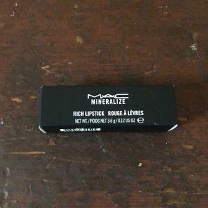 MAC Cosmetics Makeup - Mac Mineralize Rich Lipstick Posh Tone